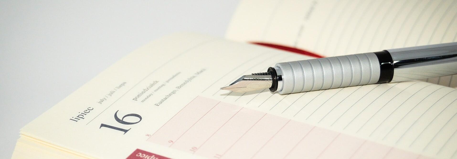agenda e caneta